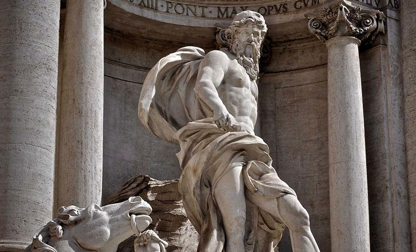 مجسمه نپتون خدای آب ها و دریاها