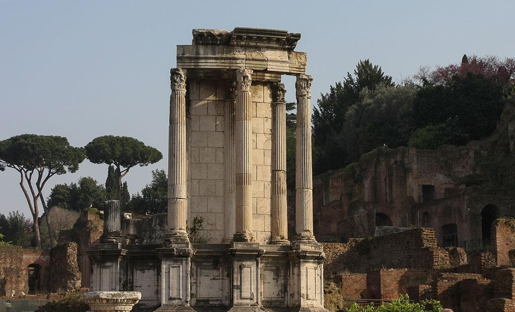 معبد دایره ای شکل وستا در رومان فروم
